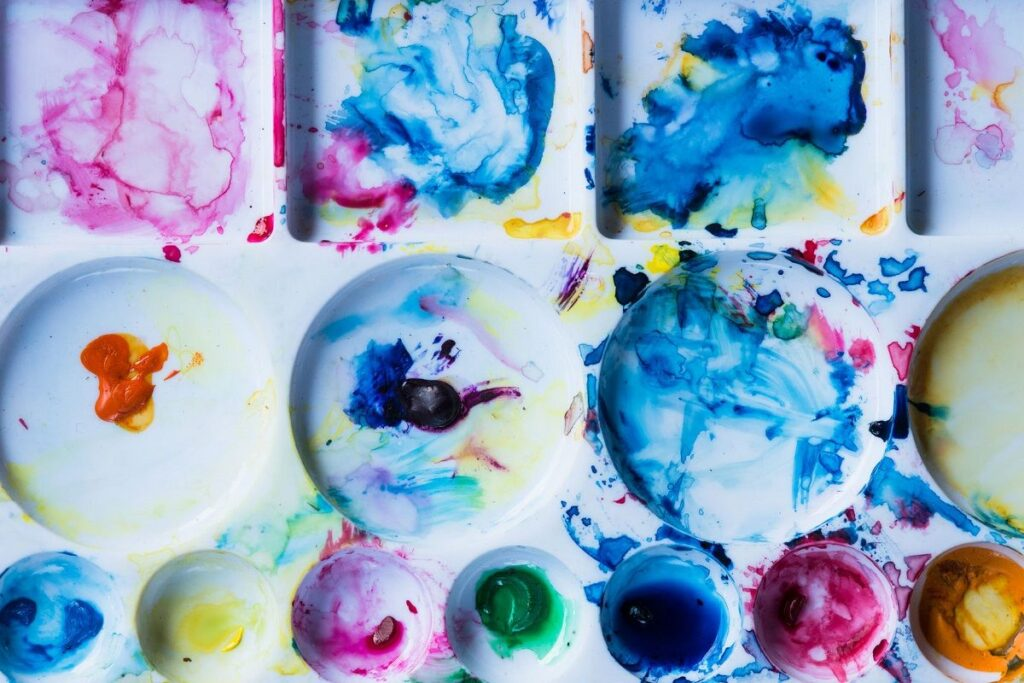 Art infused with #STEM learning activities makes for a colorful time